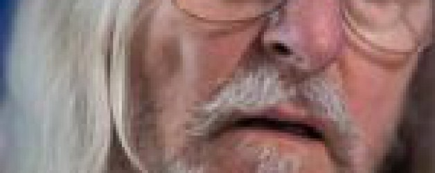 De la vaseline dans le nez pour contrer la Covid-19: la nouvelle vidéo polémique de Didier Raoult
